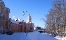 Mro?ny pogodny ranek w Aleksander Nevsky monasterze obrazy royalty free