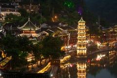 Mroczna scena Fenghuang antyczny miasto Fotografia Stock