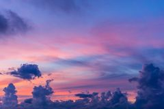 Mroczne nieba i cumulusu chmury Fotografia Royalty Free