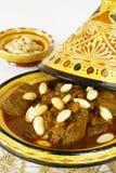 Mrouzia - Tagine marroquí con las pasas, almendras Fotos de archivo