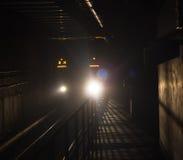 MRT υπογείων στη Ταϊπέι που έρχεται σε μια στάση Στοκ Εικόνες