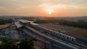 MRT Post van de MASSA de Snelle Doorgang in Kwasa Damansara Royalty-vrije Stock Foto's