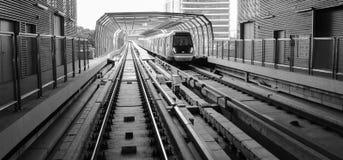 MRT Sungai Buloh- Kajang lijn - Massa Snelle Doorgang in Maleisië stock afbeeldingen