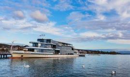MS一个码头的Panta Rhei在湖苏黎世在瑞士 免版税库存图片