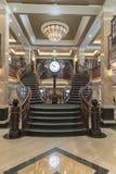 MS女王伊丽莎白赌博娱乐场楼梯 库存图片