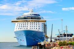 Ms Ovation della nave da crociera dei mari Immagini Stock Libere da Diritti