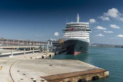 Ms Queen Elizabeth attraccato in Palma Majorca Immagini Stock Libere da Diritti