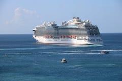 Ms Royal Princess för kryssningskepp i St George ` s, Grenada Royaltyfria Foton