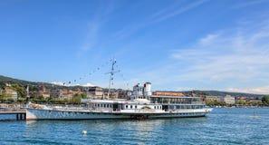 Ms Stadt Rapperswil på pir i Zurich Royaltyfri Bild