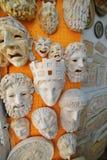 Máscaras gregas antigas em Plaka Fotos de Stock Royalty Free