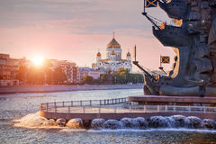 Mscow-river with monument and cathedral Royalty Free Stock Images
