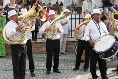 Mässingsmusikband från Cozmesti Arkivfoto