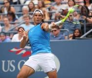 Mästare Rafael Nadal för storslagen Slam av Spanien i praktiken för US Open 2016 på Billie Jean King National Tennis Center Arkivbild