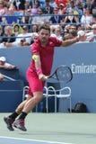 Mästare Stanislas Wawrinka för storslagen Slam av Schweiz i handling under hans runda match fyra på US Open 2016 Fotografering för Bildbyråer