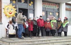 Mstera, 13.2016 Ρωσία-Μαρτίου: Δράστης εμφάνισης στη σκηνή κάτω από το ope Στοκ Εικόνες