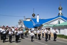 Mstyora, Rusia-mayo 9,2015: Procesión festiva en honor del día de la victoria Fotografía de archivo