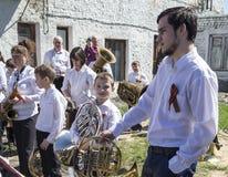 Mstyora, Russland-Mai 9,2015: Gruppieren Sie Musikerspiele am Feiertag zu Ehren des Tages des Sieges Stockfoto