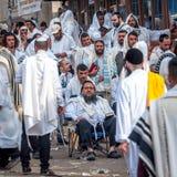 Mszalna modlitwa Hasids pielgrzymi w tradycyjnym odziewają brzęczenie festiwal, Żydowski nowy rok fotografia stock
