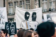 Mszalny jedność wiec trzymający w Strasburg podąża niedawnego terrorysty a Zdjęcia Royalty Free