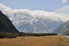 Mt厨师和云彩,新西兰 图库摄影