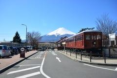 Mt富士FUJIKAWAGUCHIKO,日本- 2016年3月16日 库存照片