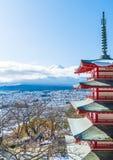 Mt Фудзи с пагодой Chureito в осени, Fujiyoshida Стоковая Фотография RF