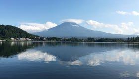 Mt Фудзи с тенью Стоковые Изображения