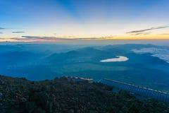Mt 上升的富士,下降的吉田足迹 图库摄影