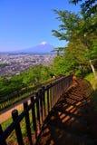 Mt 从Arakurayama Sengen公园的富士在吉田市市日本 免版税库存图片