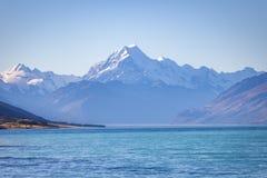 Mt 厨师和湖在彼得监视的Pukaki 免版税库存图片