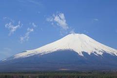 Mt 在山中湖,日本的富士 免版税库存照片