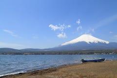 Mt 在山中湖,日本的富士 免版税图库摄影