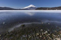 Mt 富士冬天从山中湖的季节射击 山梨, J 免版税库存图片