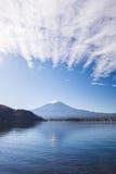 Mt 富士山在秋天 库存图片