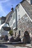 Mt.敞篷的俄勒冈树带界线小屋。 免版税库存图片