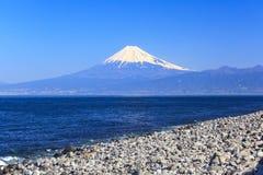 Mt 从海角美滨的富士视图 免版税库存图片