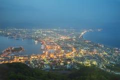 函馆,北海道,日本从Mt的市地平线 函馆在黎明 免版税库存图片