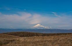 Mt Adams an einem Vorfrühlings-Tag Lizenzfreie Stockbilder