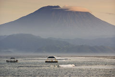 Mt Agung от Nusa Lembongan Стоковая Фотография RF