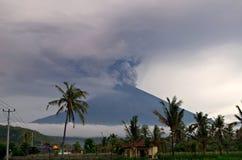Mt Agung vulkanutbrott i Bali - 25 - 27 November 2017 Arkivfoton