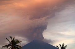 Mt Agung wulkanu erupcja w Bali - 25 - 27 Listopad 2017 Zdjęcia Royalty Free