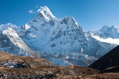 Mt. Ama Dablam, Dingboche, Solukhumbu, Nepal. View of Ama Dablam from trekking route to Kongma La, Dingboche, Solukhumbu, Nepal Stock Photo