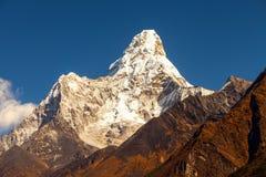 Mt Ama Dablam w Everest regionie himalaje Nepal Obrazy Stock