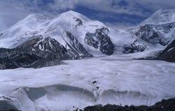Mt.Anemaqen 1 Photos stock