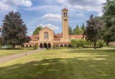 Mt Angel Abbey und Boden Oregon Lizenzfreie Stockbilder