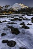 MT Baker over de Ijzige Tarn bij Zonsopgang Royalty-vrije Stock Fotografie