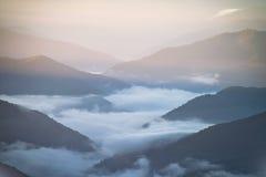 Mt Bawoli Mgłowy wschód słońca Obrazy Royalty Free