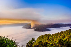 Mt Bromo bei Sonnenaufgang vorbei Lizenzfreies Stockbild