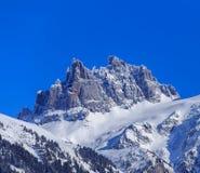 Mt Brutto- Spannort i Schweiz i vinter fotografering för bildbyråer