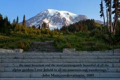 Mt citações mais chuvosas e de John Muir em etapas fotografia de stock